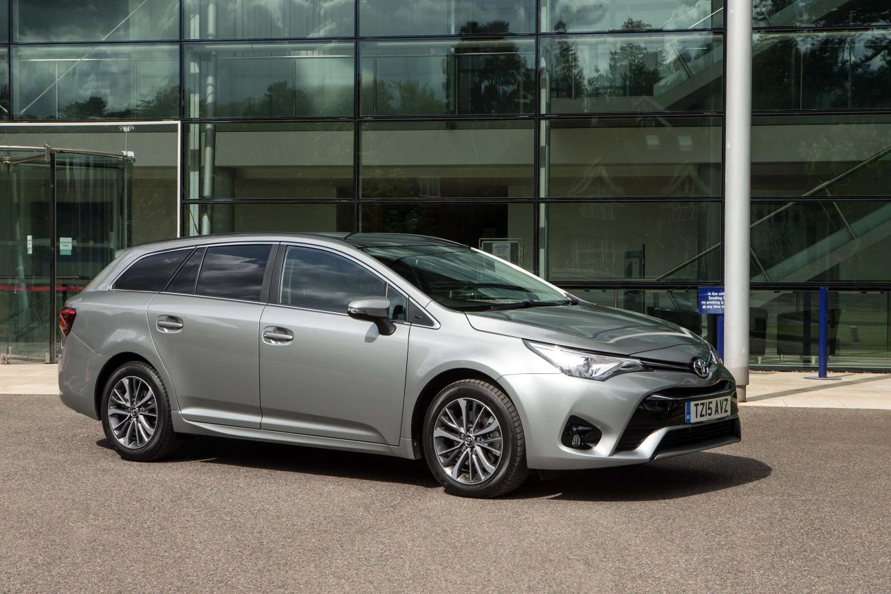 toyota avensis touring sports company car and van. Black Bedroom Furniture Sets. Home Design Ideas
